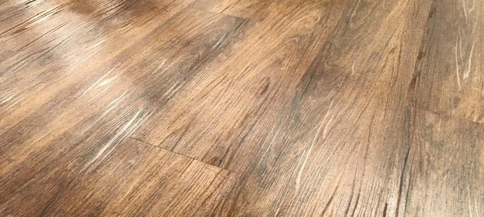 Laminate Vs Luxury Vinyl Plank Flooring Lakeland Liquidation