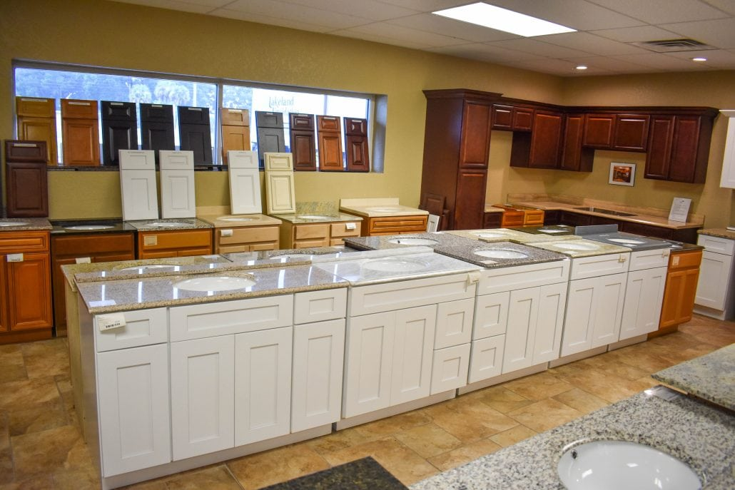 Discount cabinets and flooring lakeland liquidation for Inexpensive wood kitchen cabinets