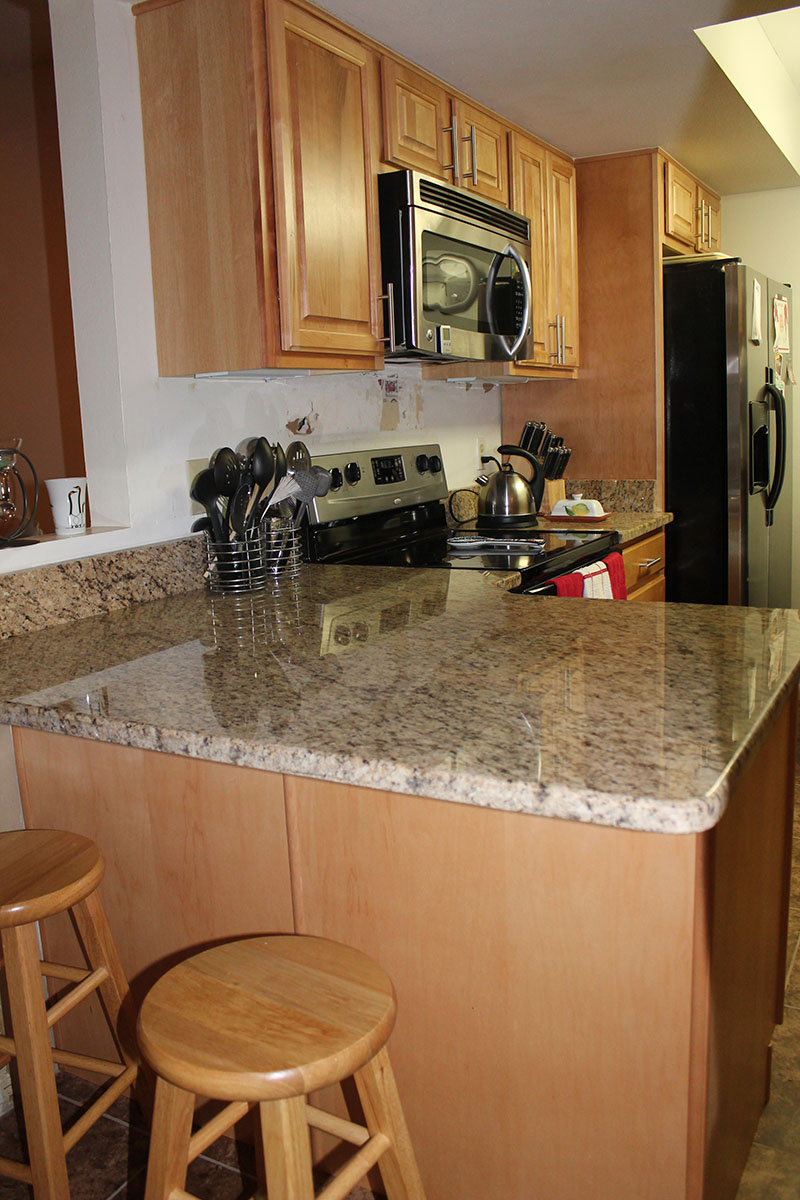 Photo gallery lakeland liquidation for Kitchen cabinets liquidators